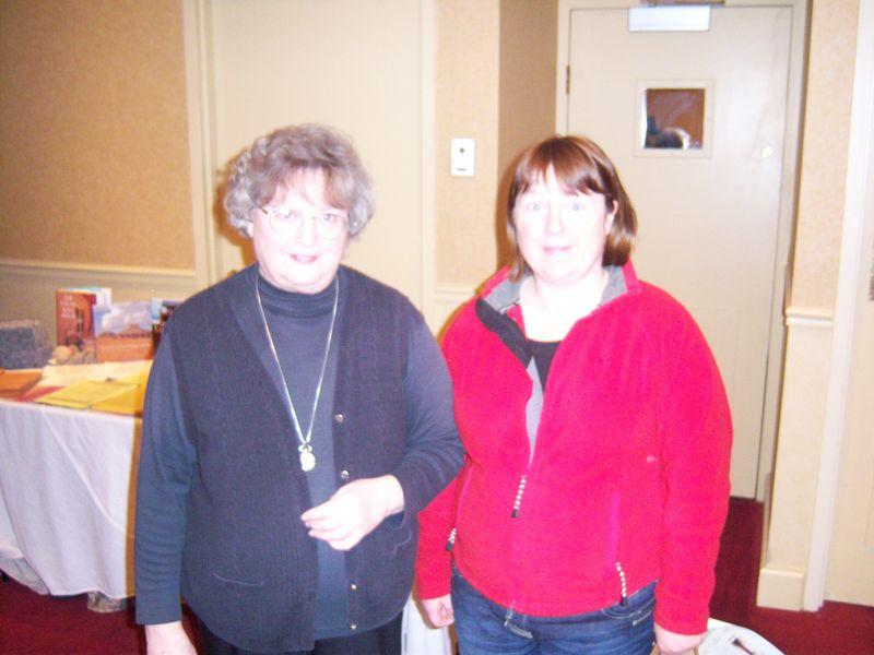 G 006 Joyce and Carol